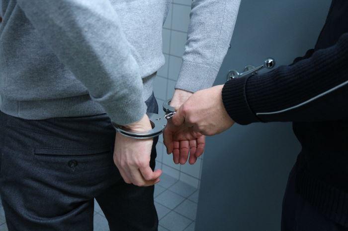 Policja Bydgoszcz: Przyłapany z narkotykami w pracy, został aresztowany na trzy miesiące